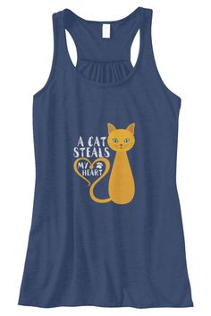 A Cat Steals Tanktop EL21J0